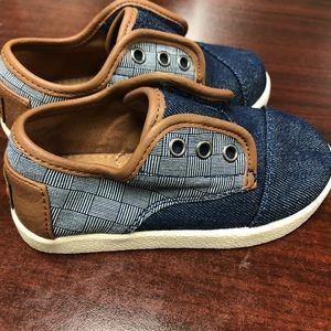 Toms size 7 little boy worn once